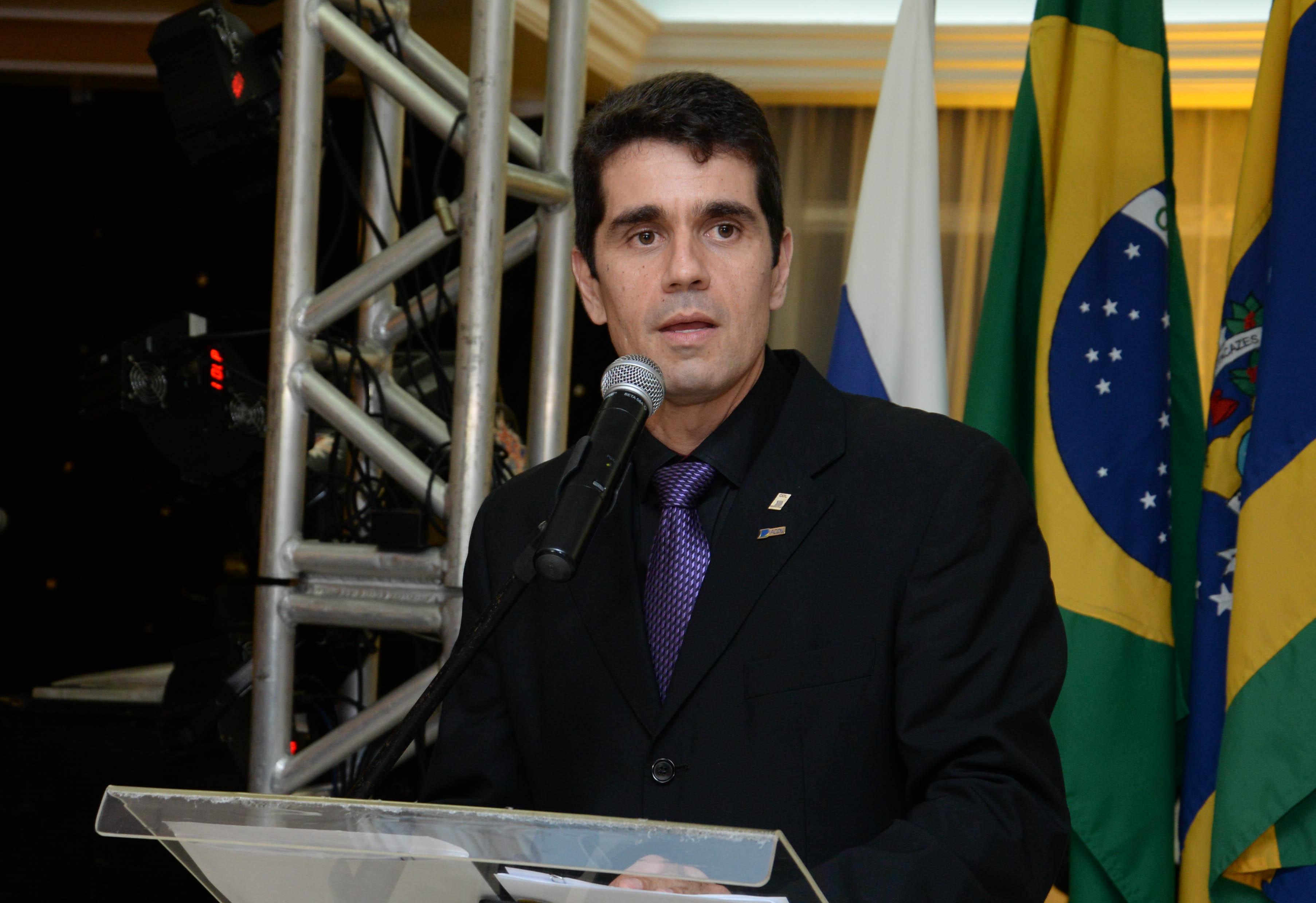 Mérida cotado para assumir o PSC de Campos