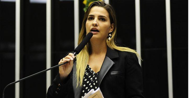 Justiça anula condenação de Clarissa Garotinho por injúria a Zveiter