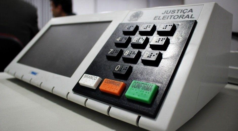 Fake news é 'corrupção eleitoral do século 21', diz idealizador da Ficha Limpa
