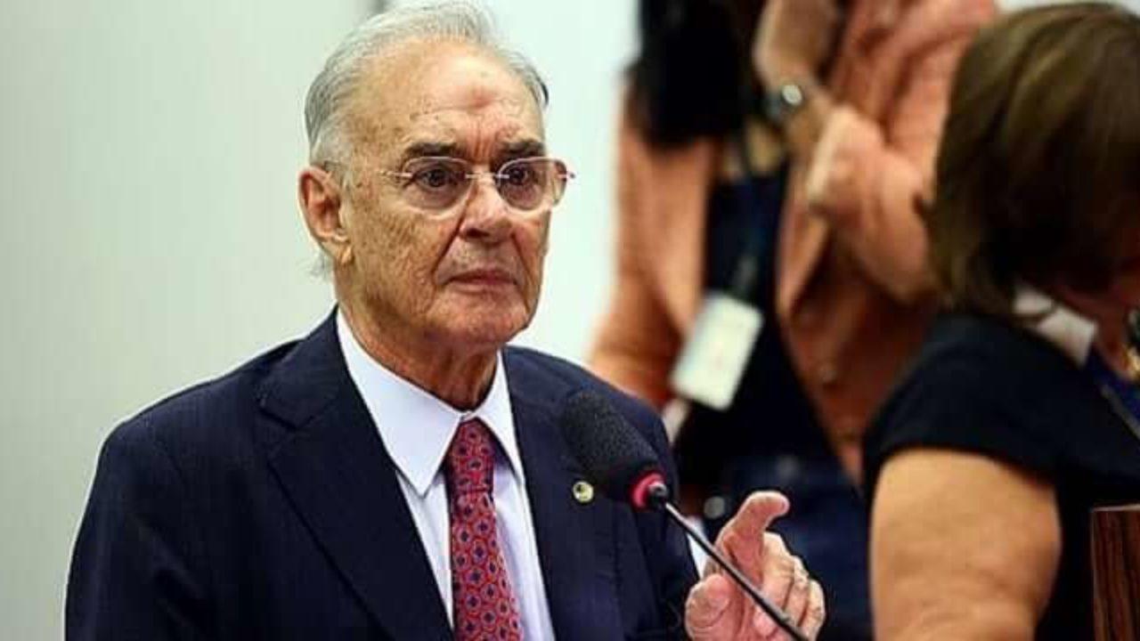 Senador Arolde de Oliveira morre vítima de complicações de Covid-19