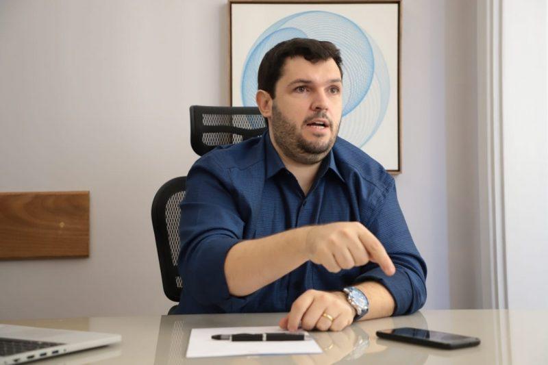 Dr. Bruno Calil fala em suposta parceria 'por baixo dos panos' entre gestão Wladimir e Águas do Paraíba