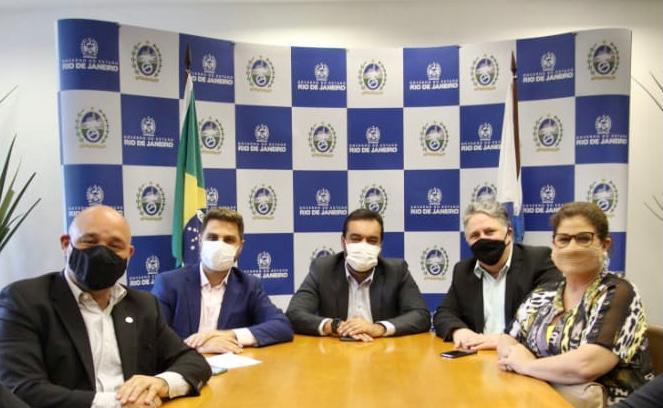 Wladimir, Garotinho e Rosinha se reúnem com o governador em busca de recursos para Campos
