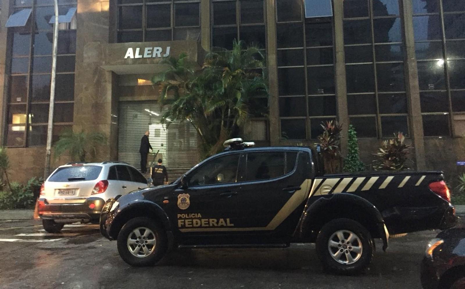 Procuradoria da Alerj tem 42 funcionários fantasmas comissionados