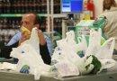 Supermercados do RJ estão proibidos de oferecer sacolas plásticas grátis
