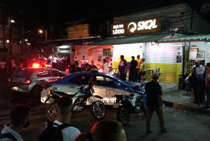 Briga entre PMs em bar deixa um deles morto na Baixada Fluminense