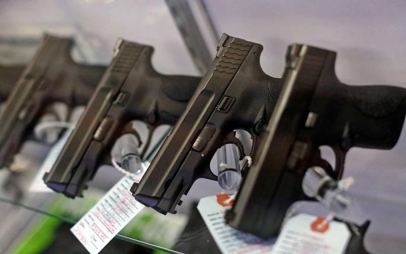 PF publica norma que autoriza compra de até 4 armas por pessoa - Tribuna NF
