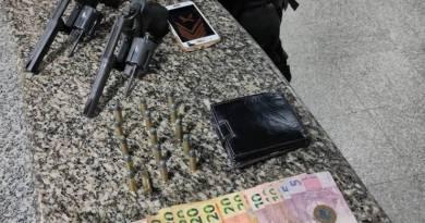 PM prende dois com armas e munições em SFI