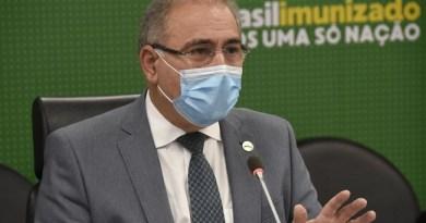 Avião com 1,5 milhão doses de vacina chega nesta terça-feira (22), diz ministro