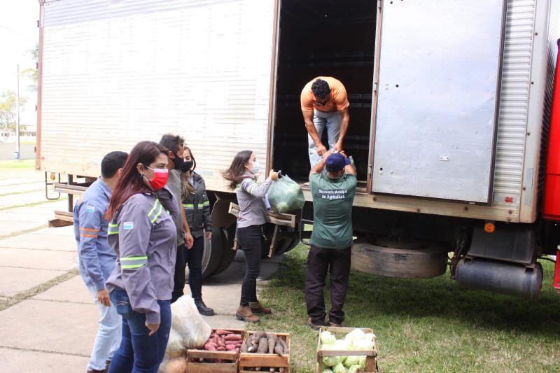 Instituições de SJB recebem seis toneladas de alimentos