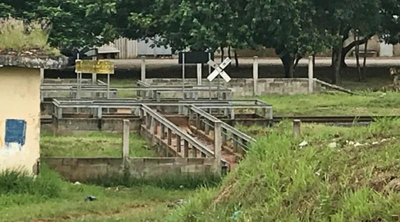 Jovem é atropelada por trem em Taquaritinga (SP) e morre a caminho da Santa Casa