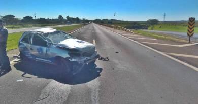 Capotamento na rodovia próxima a Taquaritinga (SP) deixa duas pessoas feridas