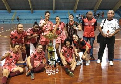 Futsal feminino de Taquaritinga (SP) é bronze na Copa Regional de Porto Ferreira