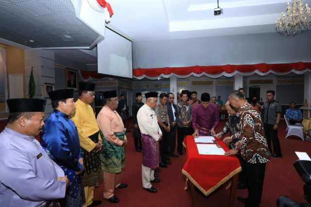 PT.PHE SIAK dan Riau Petroleoum tandatangani perjanjian