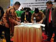 Penandatanganan MoU antara Pemerintah Kabupaten Rohil dengan STIE Pelita Indonesia