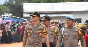 Kapolres Kampar AKBP Andri Ananta Yudhistira meninjau langsung kesiapan pasukan pengamanan