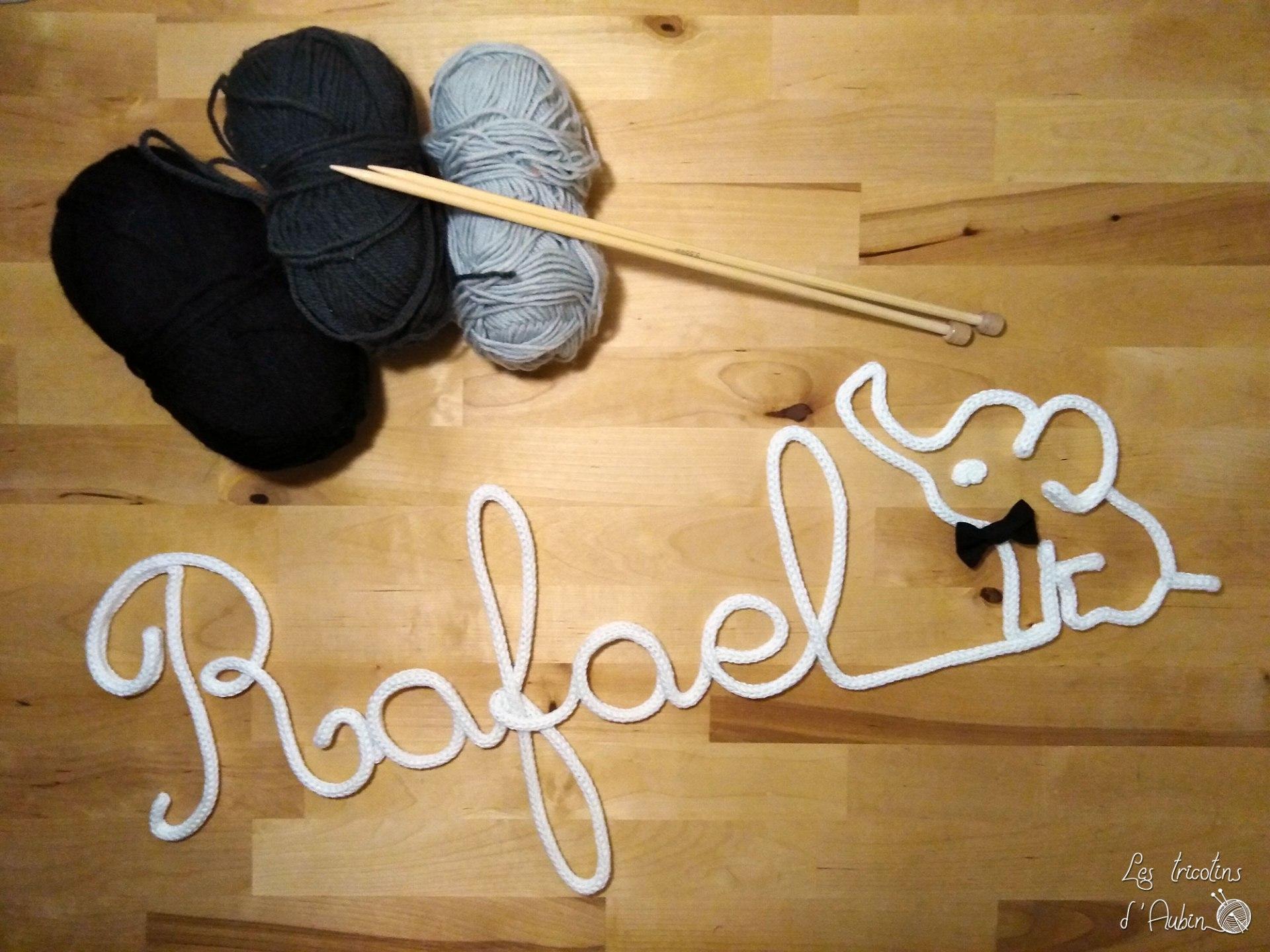 Rafael tricotin avec éléphant
