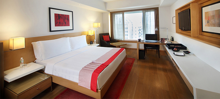 Luxury Hotel Rooms and Suites in Mumbai Nariman Point