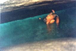 Mergulhando na gruta
