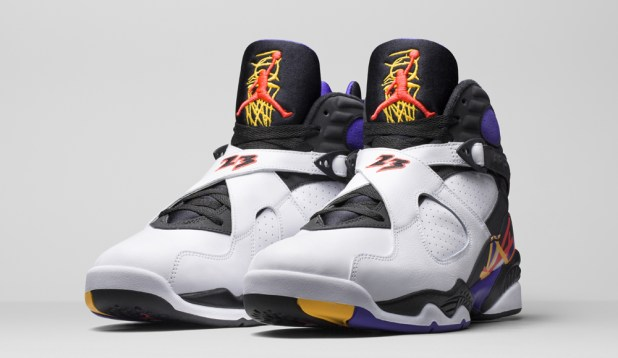 In-Hand Review: Jordan 8 '3-Peat' (Video)