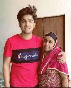 Jass Manak With Mom