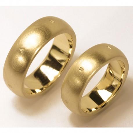 Gewlbte Trauringe aus 585 Gold