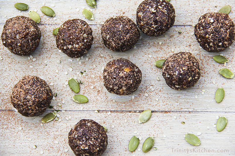 Super Seed Energy Balls with hemp, pumpkin, flax and sunflower seeds