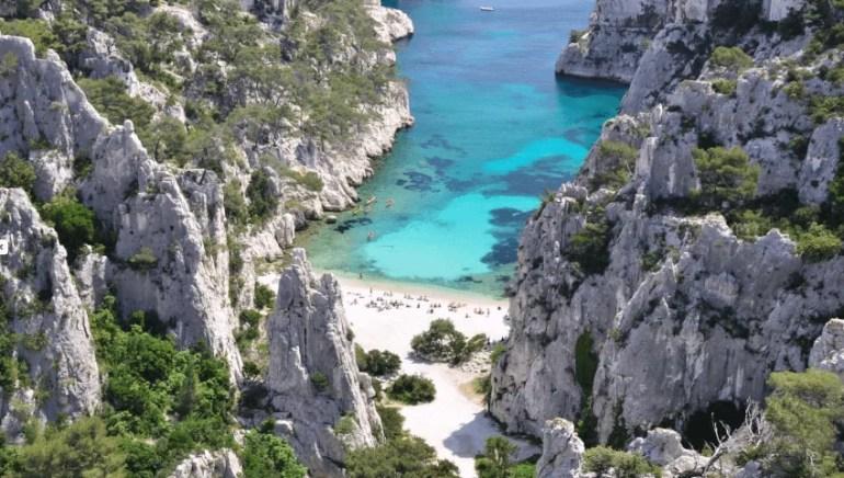 Comment visiter les calanques à Marseille