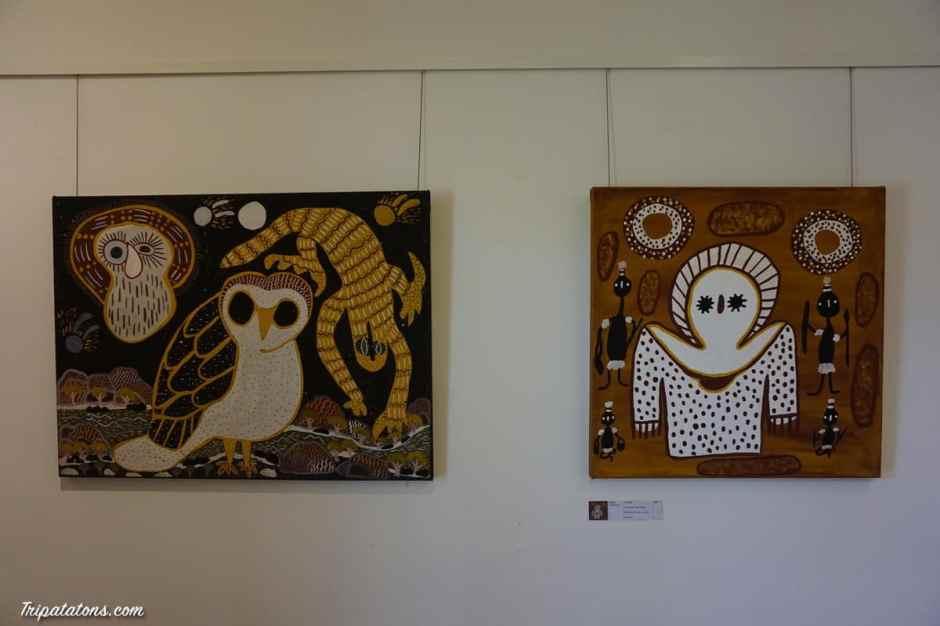 Visite d'une galerie d'art aborigène