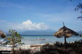 gili-air-beach-3