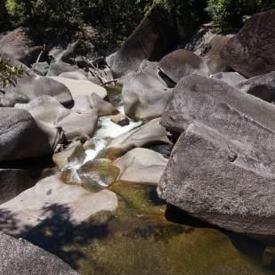 babinda-boulders-2