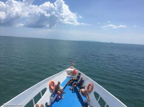 ferry-to-phi-phi-1