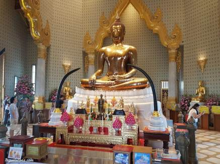 traimit-royal-temple-buddha-or
