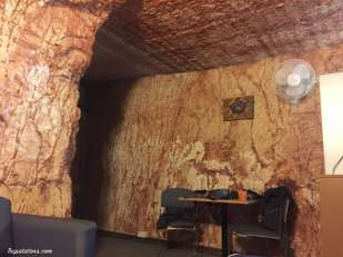 coober-pedy-desert-cave-hotel-06
