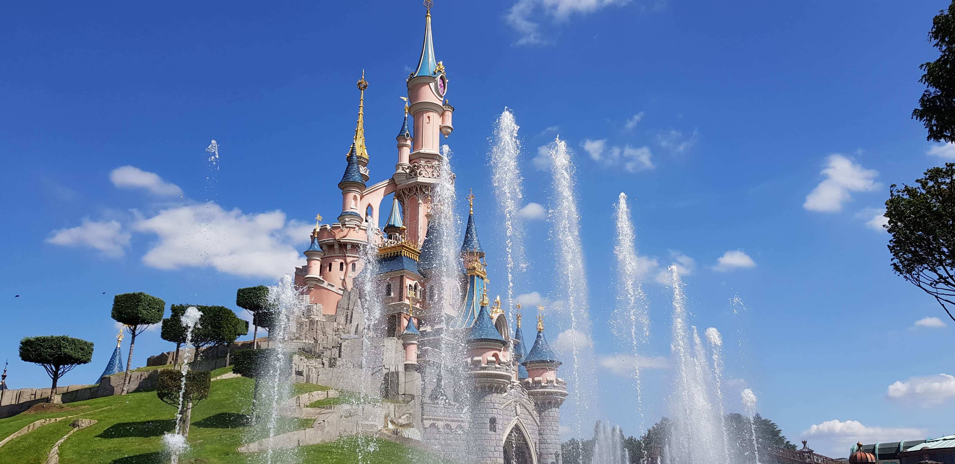 Is it worth to go to Disneyland Paris