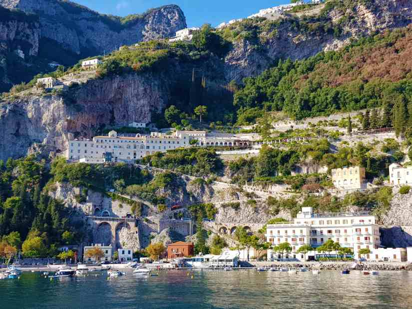 What is the best time to visit Amalfi Coast? 2