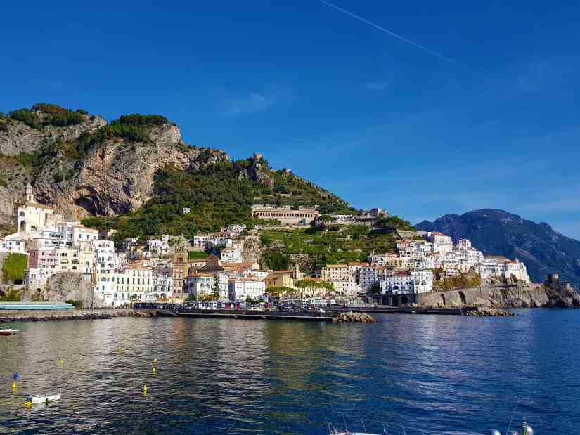What is the best time to visit Amalfi Coast? 7