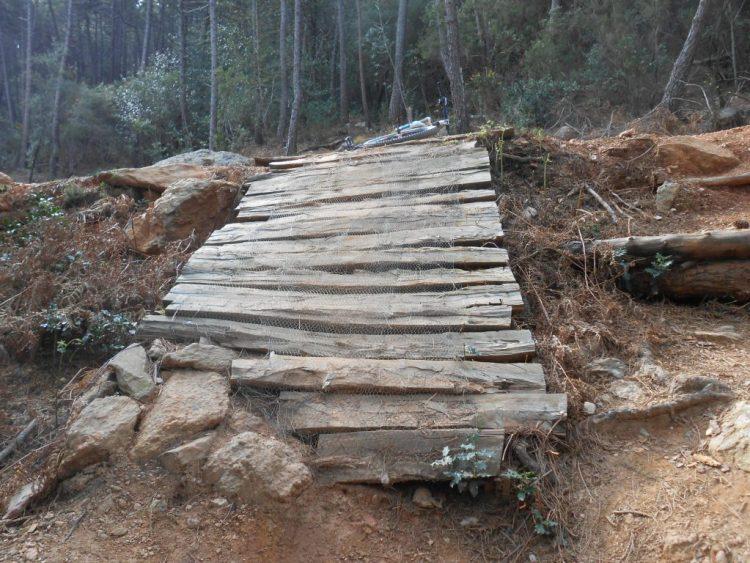 prove speciali mtb di calci passerella in legno