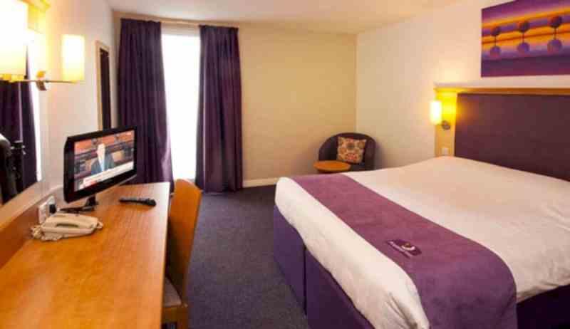 Premier Inn London Heathrow Airport Bath Road 6