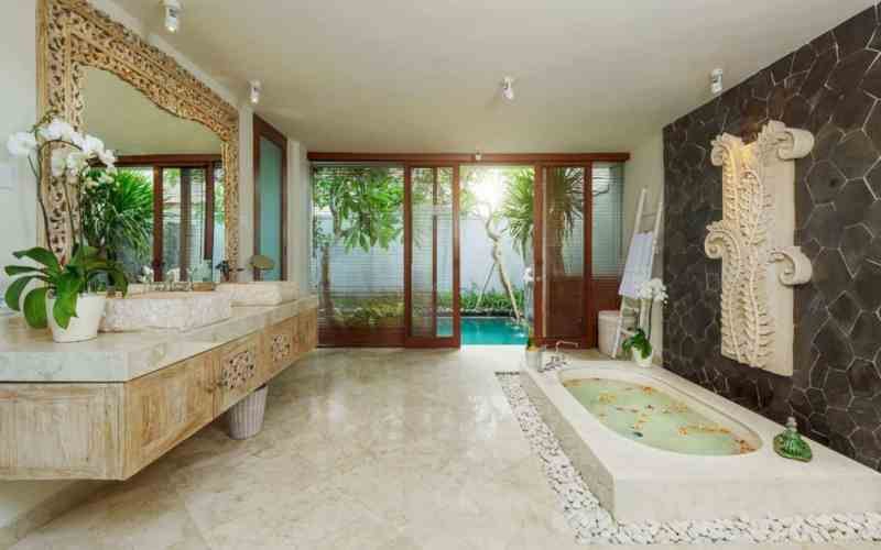 The Royal Purnama Art Suites And Villas 12