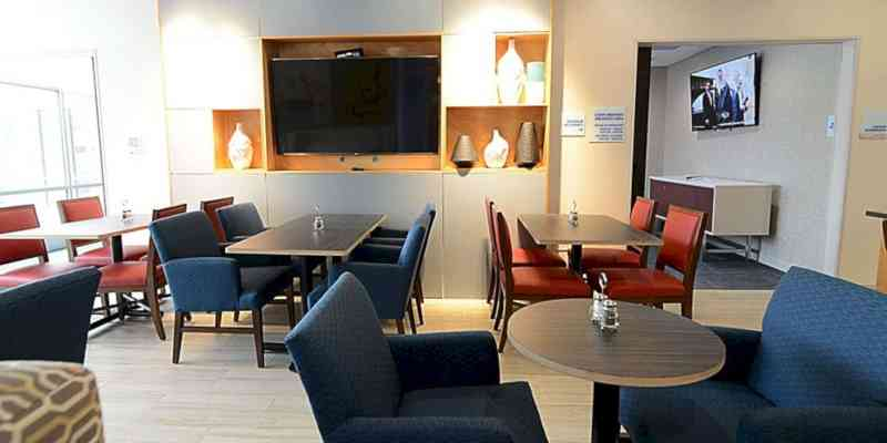 Holiday Inn Express & Suites Chicago North Shore Niles 14