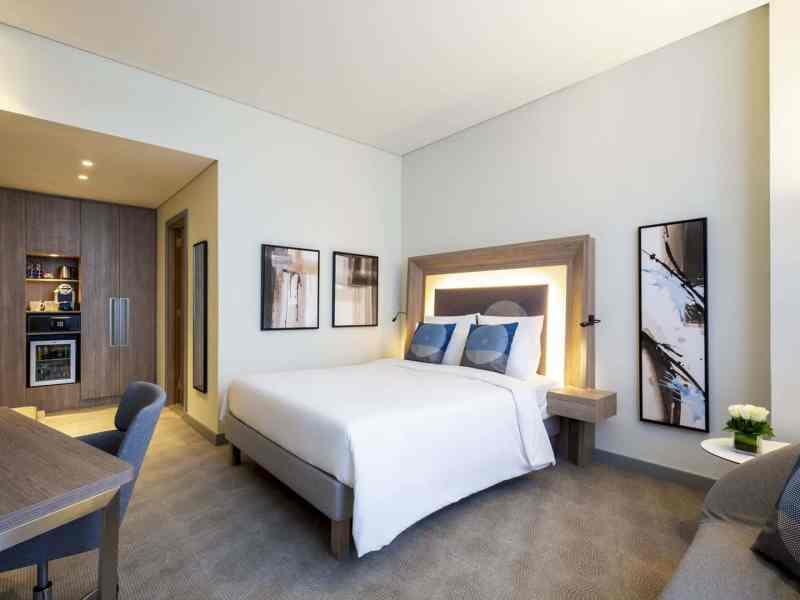 Novotel Bur Dubai Hotel 10
