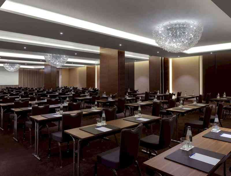 Radisson Blu Hotel Dubai Waterfront 8