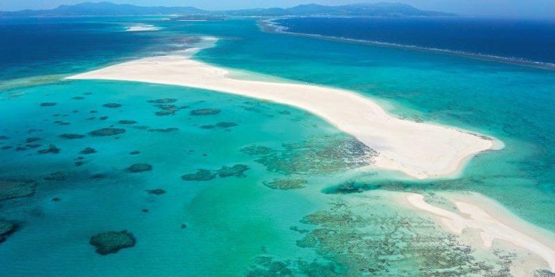【沖繩海水浴場】日本沖繩海灘玩什麼?賞鯨、透明獨木舟超好玩