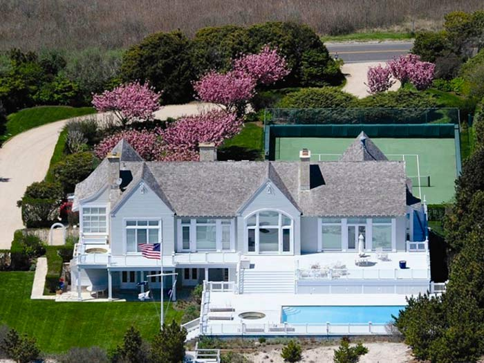 The Hamptons' Billionaire Lane