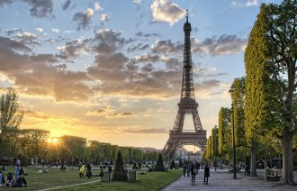 Helpful Tips to Explore Paris On A Budget