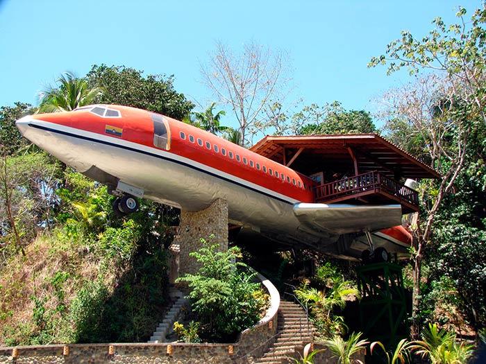 727 Fuselage Home – Manuel Antonio, Costa Rica