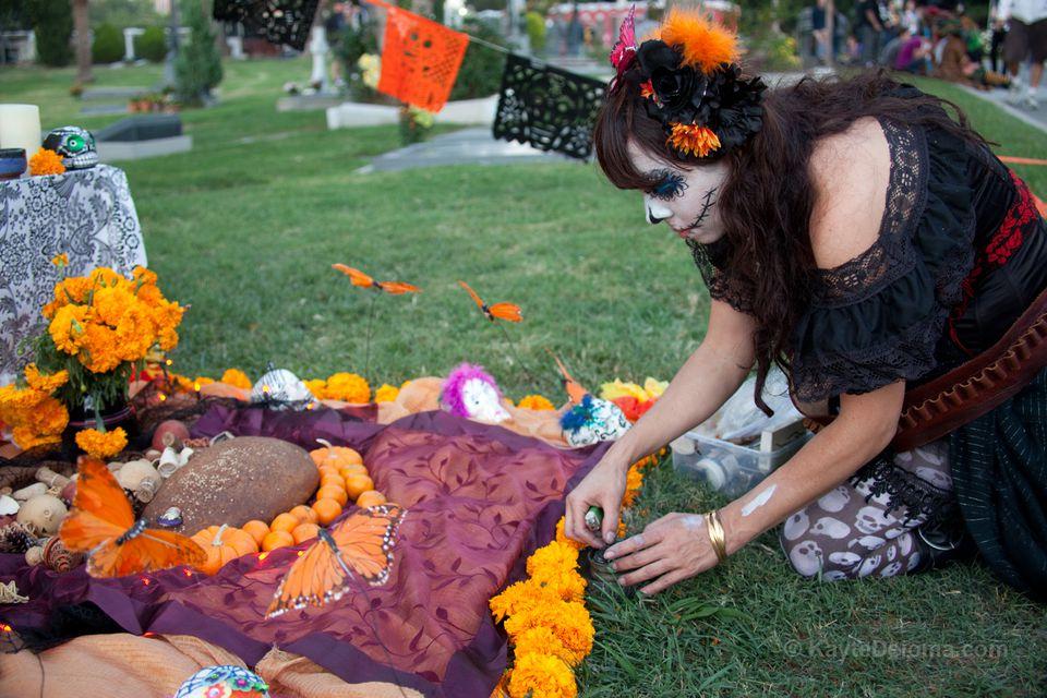Los Muertos Dia De Hollywood Mariachi Cemetery