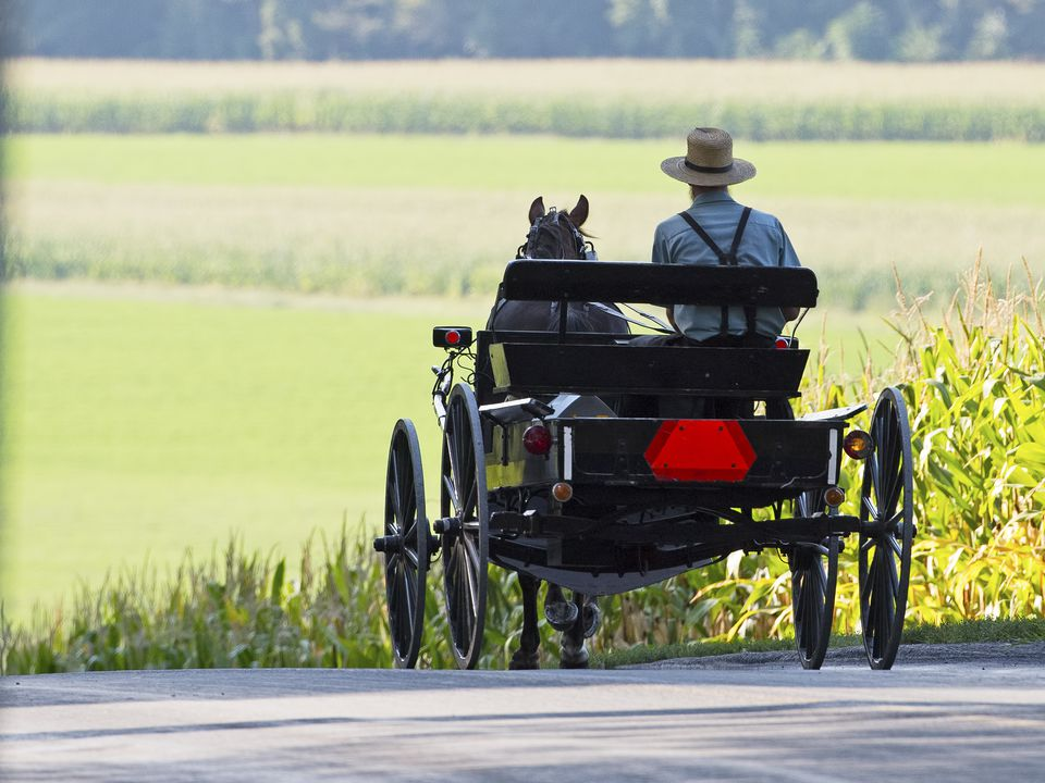 two amish towns to