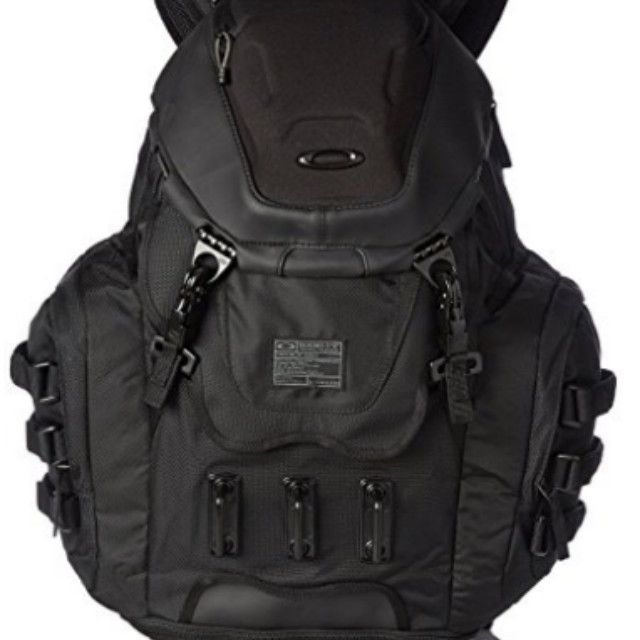 oakley kitchen sink backpack review black walnut table the 13 best carry-on backpacks to buy in 2019