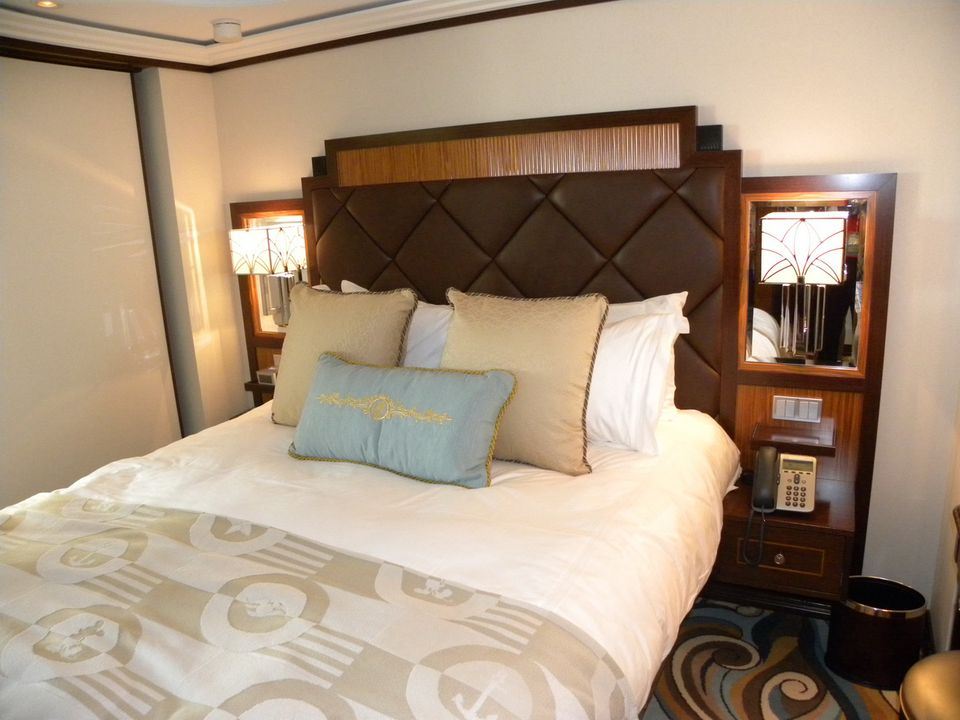 disney dream sofa bed bench type cabins and suites bedroom in the one suite on concierge area of cruise